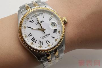 25钻老梅花手表回收价格会有几折