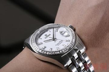 旧梅花女手表回收多少钱才符合行情
