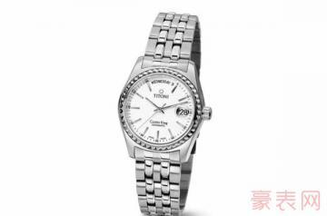 多年前的梅花手表回收还值钱吗