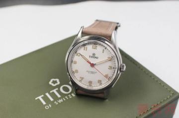 旧款的梅花手表回收能卖多少钱